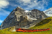 【愛的迫降】瑞士三大名峰