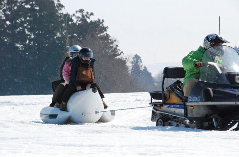 飯豐町雪之樂園戲雪