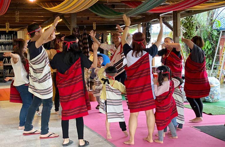 族服體驗及原民瘋舞蹈